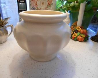 Beautiful Vintage Pottery Ivory Vase
