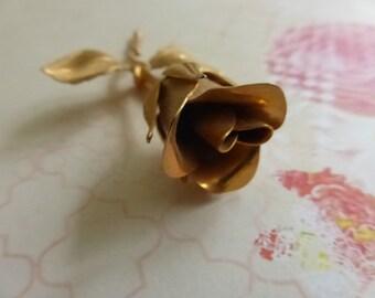 Vintage  Unsigned Gold Tone Rose Bud Brooch