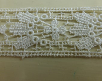 Antique Natural Color Lace with Scroll Pattern  3 Plus Yards   L347