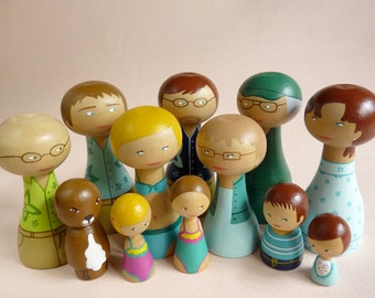 Full Portrait Peg Family of 12 Wooden Dolls grandparents, parents, children, aunts, uncles, niece, nephew FREE SHIPPING