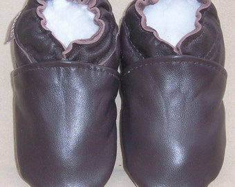 Sample Sale solid brown leather baby shoes  6-12 months