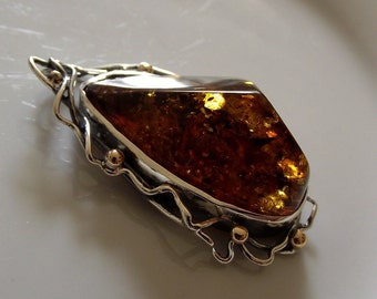 Natural Baltic amber pendant with sterling silver and 9ct gold (sterling silver pendant with amber)