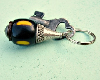 Silver Keyring or Purse Charm with Big Dyed Bone Bead: Sabu