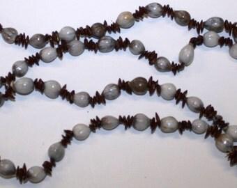 Vintage Hawaiian seed  LEI NECKLACE with  Koa Seed, Job's Tears (Coix seed )(Pu'ohe'ohe)  Necklace