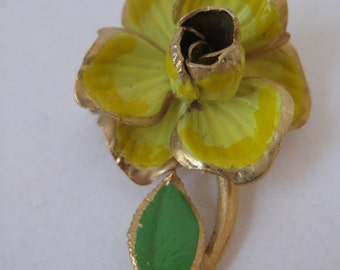 Flower Yellow Brooch Green Gold Vintage Pin