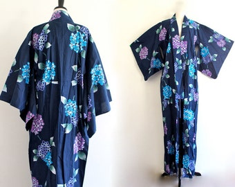 70s Floral Kimono Dressing Boho Hippie Glam Bath Robe Hollywood Luxe Pin Up . L . XL . GT . No.564.10.17.13