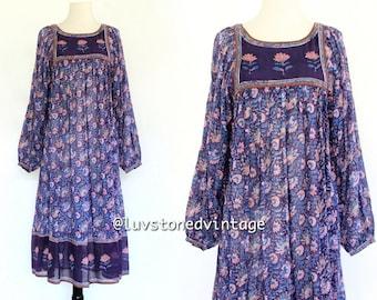 Vintage 70s Indian India Zodiac Purple Cotton Boho Hippie Gypsy Ethnic Festival Maxi Midi Ethnic Dress . XS . S . 742.2.23.14