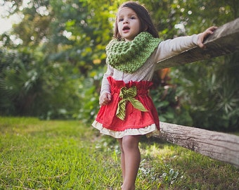 Children's/Toddler's Knit Infinity Scarf // Christmas Green Winter Kids Scarf // Childrens Holiday Outfit