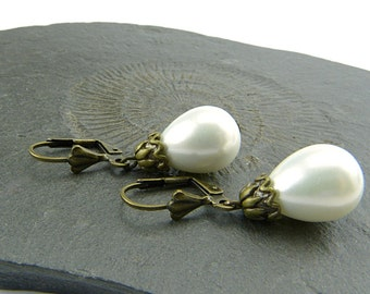 Pearl Drops. White shell pearl with vintage style aged brass elements. Elegant, timeless earrings. Nickel free Teardrop Bridal Jewelery.
