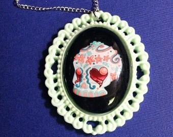 Flores de las Tumba Sugar Skull - Beaded Cabochon Necklace in Mint and Crimson