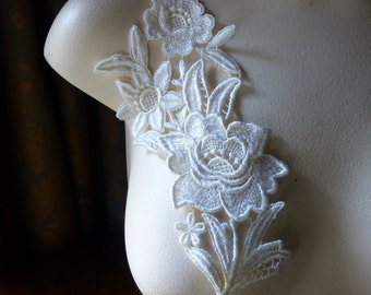 Lace Applique with Triple Flowers in IVORY Venice Lace for Bridal, Costume Design IA 9