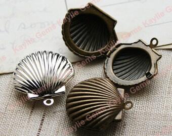 Locket Sea Shell Clam Seashell Pendant Charm- Antique Brass / Silver - 2pcs