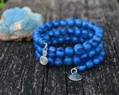 Blue Berries Acai Beads Bracelet:  Acai Beads Memory Wire Bracelet / Eco friendly Jewelry, Organic Beads, Acai Seeds / Handmade