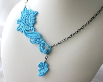 Beauty NECKLACE Vintage Inspired - Aquamarine - Turquoise blue - Lariat - Anniversary - Wedding - Free Standing Lace Embroidery