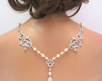 Bridal backdrop necklace, Wedding back necklace, Bridal jewelry, Rhinestone necklace, Pearl necklace, Statement necklace, CZ necklace