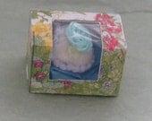 Miniature Easter panoramic sugar egg in New bakery box