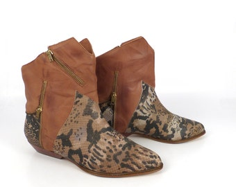 Clicks Ankle Boots Vintage 1980s Animal Print Zipper Flat Brown Leather Slouch Short Women's size 7 1/2