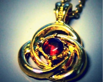 1960-70's 14K Pendent FAUX RUBY Tri-loop sixteen inch chain