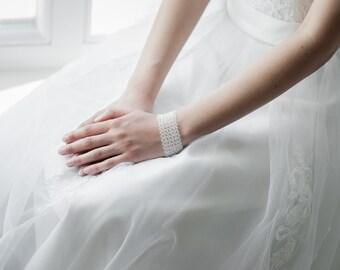 Wedding Bracelet , Bridal Bracelet , Swarovski Crystal Bracelet , Cuff Bracelet , Swarovski Bridal Jewelry