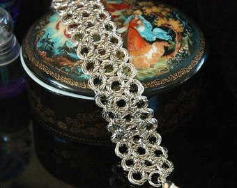 Chainmaille Mobius Bracelet, 6 Ring Circles, 3 Rows, Brilliant Silver Plated