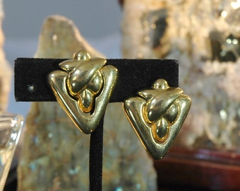 Triangle Door Knocker Earrings, Nubby Challah Bread Design, Quality Gold Plated, Pierced Ears, Like New Condition