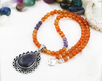 Confidence and charisma necklace - Amethyst and carnelian