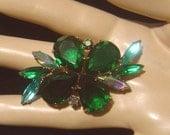 Vintage Brooch emerald green pear shape glass stones & navettes