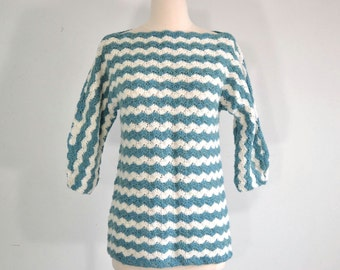 Vintage 60s Tunic Sweater Hand Crochet - extra small to small