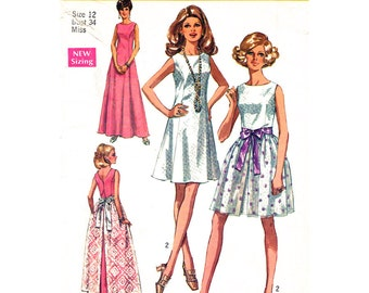Womens Dress Pattern Simplicity 8641 Mini or Maxi Dress With Overskirt Back V Neckline  Womens Sewing Pattern Bust 34 Vintage 1960s Pattern
