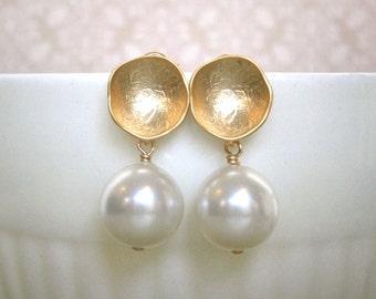 Dangle, Drop, Clearance Sale, Jewelry Sale, Pearl Earrings, Round Leaf Earrings, Gold Domed Earrings, Post Earrings