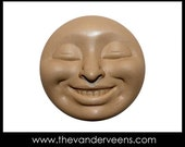 Mold No.171- Full moon Face with LOL) by Veronica Jeong