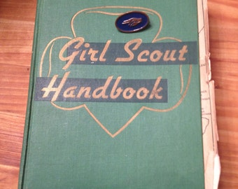 Girl Scout Handbook 1948 w pin