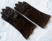 GLOVES Vintage Dress Up Costume Antique Pair Rich Leather Dark Chocolate Brown 7