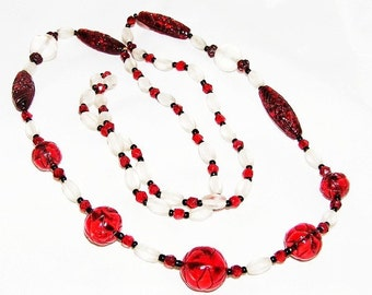 Art Deco Red and White Satin Glass Carved Necklace