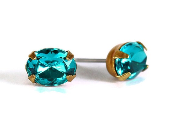 Estate style teal green rhinestone crystal stud earrings READY to ship (329) - Flat rate shipping