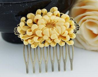 Bridal Hair Comb Wedding Hair Comb Bridesmaids Gift Vintage style Chrysanthemum Hair comb Bridal Hair accessories Bridal Hair Piece