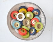 SALE - n.28 Vintage resin and gold metal buttons, 7 colors, 4 holes