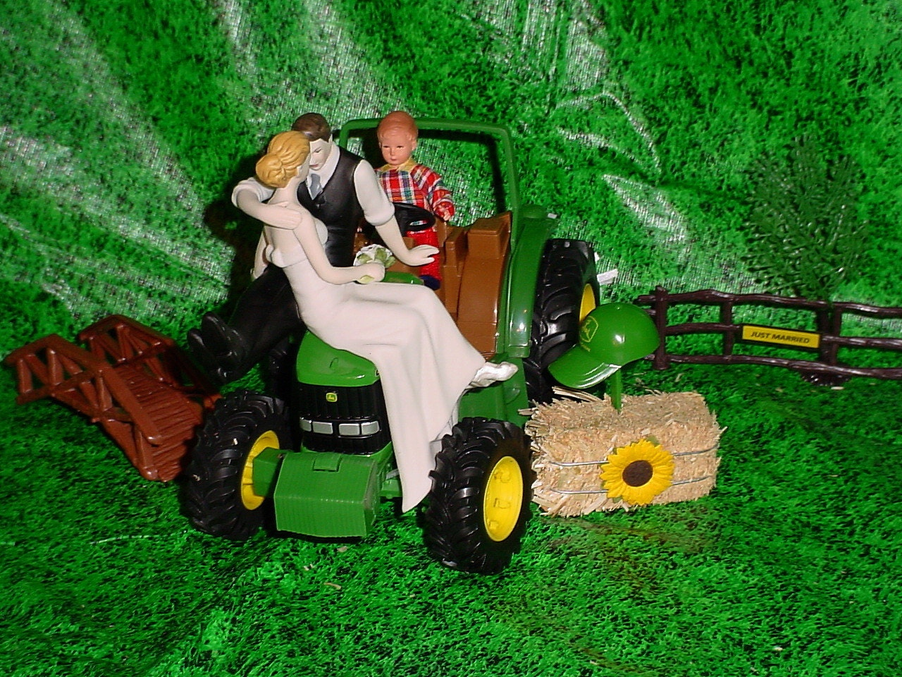 Custom Outdoor Tractor Farm County Rustic So In Love Couple