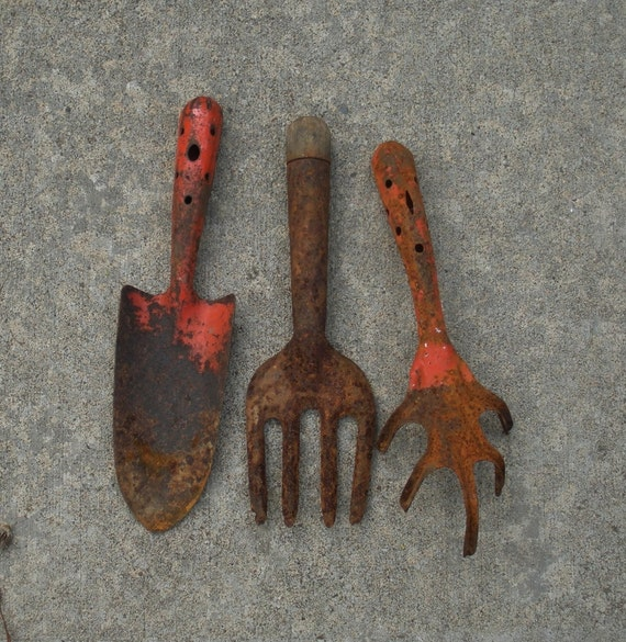 Vintage lot of 3 rusty garden tools for Gardening tools vintage