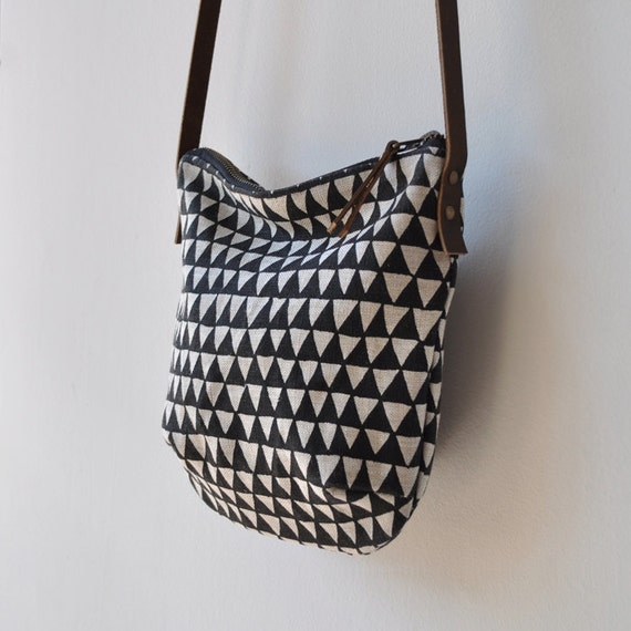Small Day Bag Triangle