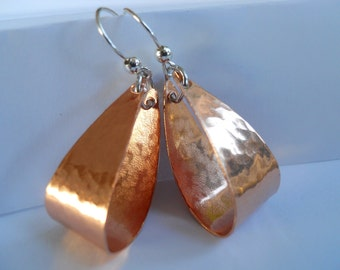 Earrings of Copper, Beaten copper, Oval Hoops, Hammered Oval Hoops, Gift for Her, Gift under 20
