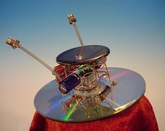 Solar Powered CD Spin Bot