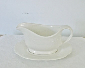 Vintage White Ironstone Gravy Boat and Underplate Pfaltzgraff Creamy White Large Gravy Bowl French Country Kitchen