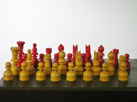 Vintage Solid Wood Chess Pieces Boxed Set Travel Size Blonde and Red Paint Carved in Wooden Box