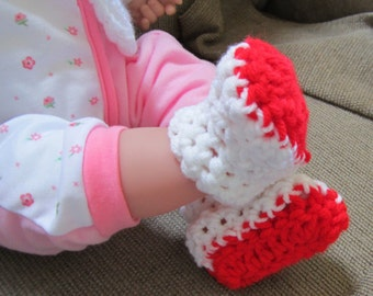 Crocheted Newborn Baby Booties, Baby Boots, White and Red Booties, Christmas Booties, Unisex Booties