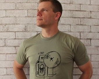 READY to Ship Men's Camera T Shirt, Cotton , Funny Shirt, Oh Snap, Graphic Tee, Photographer Tshirt,  Light Olive Drab, Screen-printed Shirt
