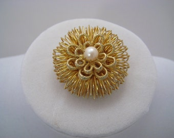 Vintage Brooch, Gold Tone, Round Bird's Nest with a Pearl