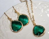 Emerald Green Drop and Gold Jewelry Set, Crystal Emerald glass Drops bezel set Bridal Necklace and Earrings - Gold plated - May Birthstone