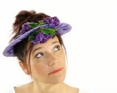 1950s lavender open crown spring hat in grosgrain ribbon and purple velvet trim with African Violet millenery sprigs