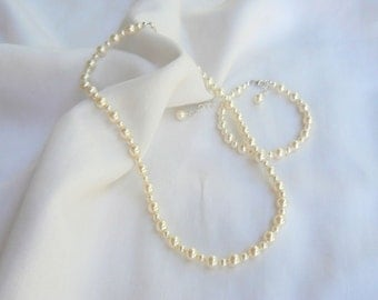 SET Child's Classic Swarovski Pearl Necklace and Bracelet in Sterling Silver